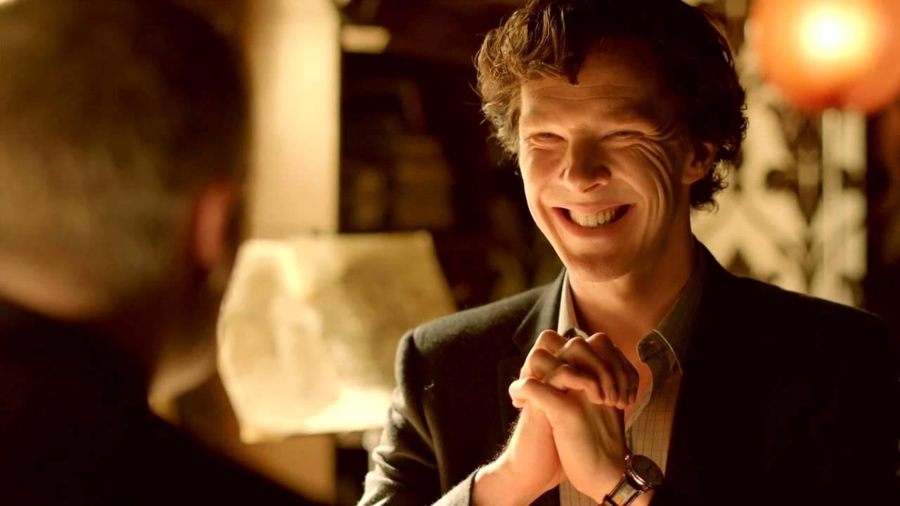 Homem finge ser policial das histórias de Sherlock para roubar lojas na Inglaterra
