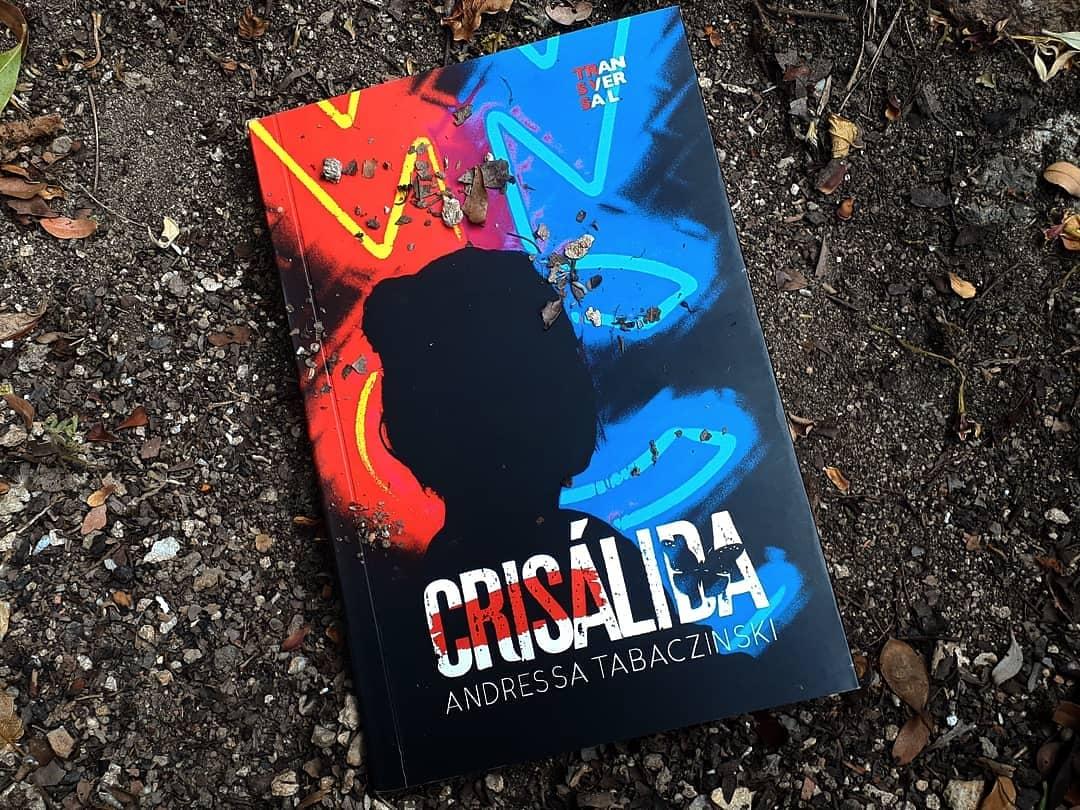 Crisálida, um suspense de Andressa Tabaczinski