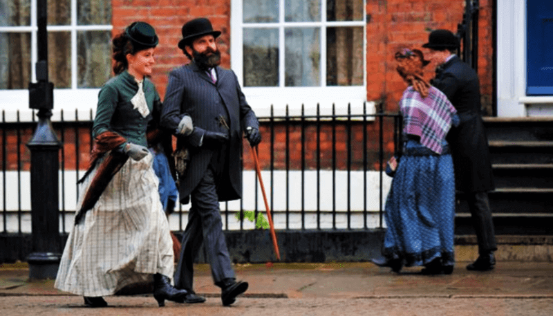 OS IRREGULARES | Liverpool é palco da nova série sobre Sherlock Holmes; veja as fotos